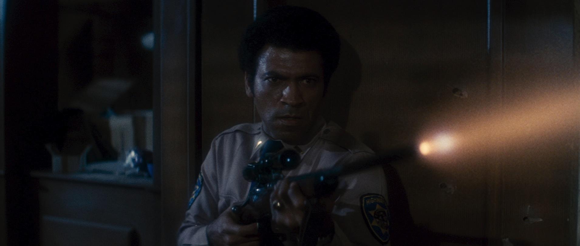 John Carpenter's Assault on Precinct 13: Action on a Sweet ...