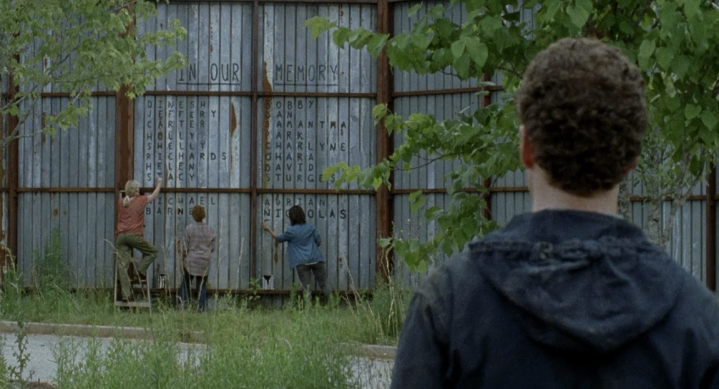 Father Son Holy Gore - The Walking Dead - Alexandria's Memorial Wall