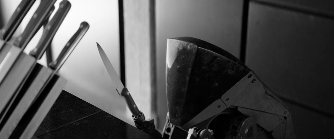 Black Mirror Season 4 Episode 5 Metalhead Father