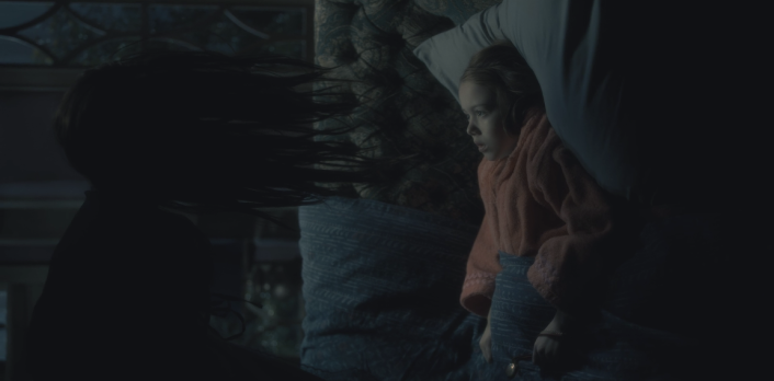 The Haunting Of Hill House Season 1 Episode 1 Steven Sees A Ghost Father Son Holy Gore