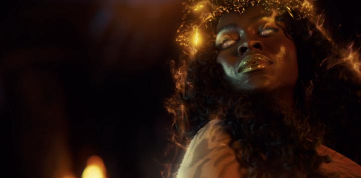 "American Gods 2x01 ""House on the Rock"" - Yetide Badaki"