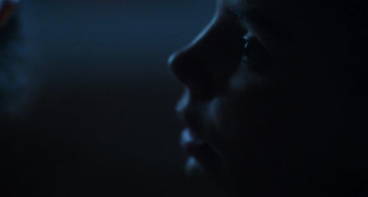 """Siren 2x08 """"Leverage"""" - Eline Powell"""