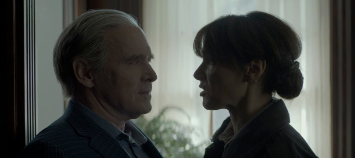 Father Son Holy Gore - Swamp Thing - Will Patton and Jennifer Beals