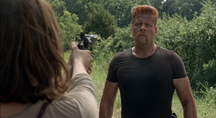 Father Son Holy Gore - The Walking Dead - Maggie with Abraham at Gunpoint