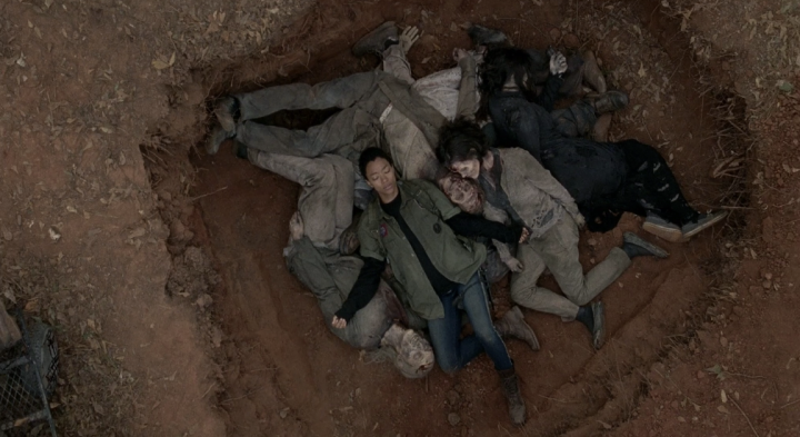 Father Son Holy Gore - The Walking Dead - Sasha in the Dead Pit