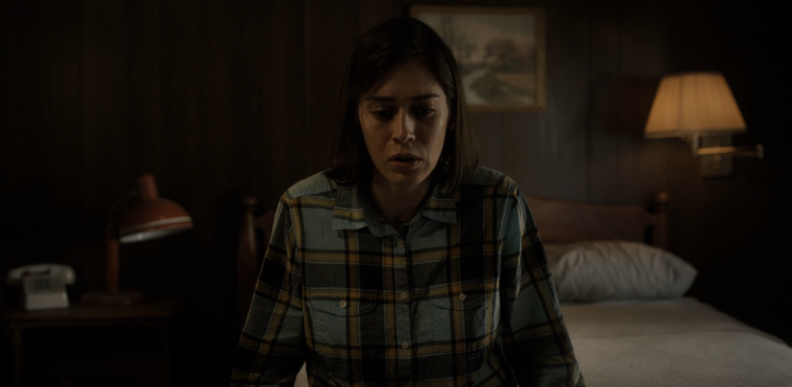 Father Son Holy Gore - Castle Rock - Lizzy Caplan as Annie Wilkes