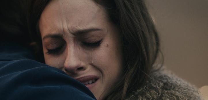 Father Son Holy Gore - Mr. Robot - Carly Chaikin as Darlene Alderson (1)