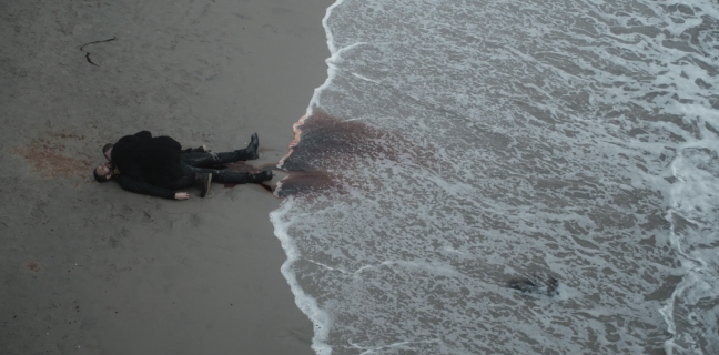 Father Son Holy Gore - American Horror Story - Macaulay Culkin Drinks Blood at the Beach
